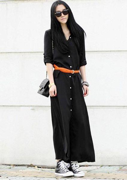黑色連衣裙搭配高幫帆布鞋圖片