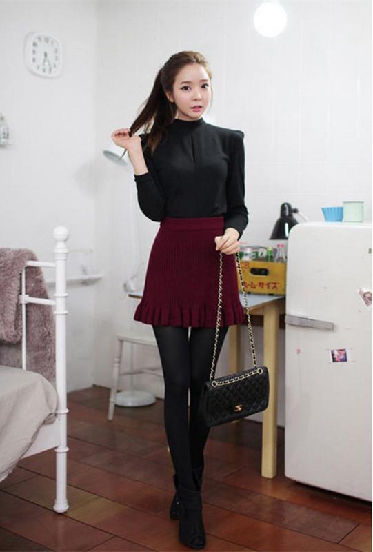 冬季黑色包臀裙搭配_冬季鱼尾裙搭配