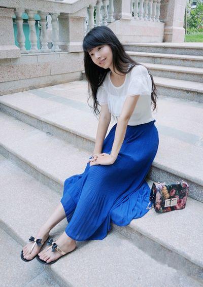 紫色雪纺衫搭配_蓝色半身长裙搭配