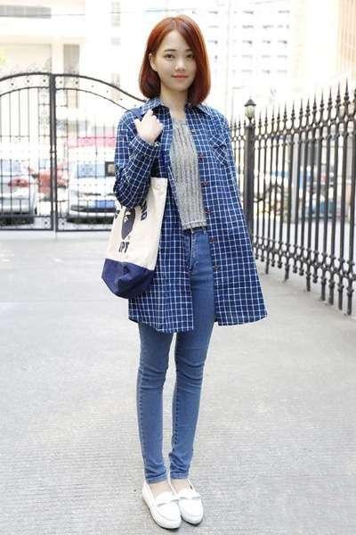 格子衬衫配什么裤子 搭牛仔裤就时髦-格子衬衣搭配裙子图片