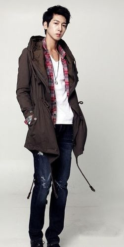韩版格子大衣_春季服装搭配图片