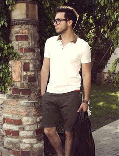 polo衫搭配棕色短裤
