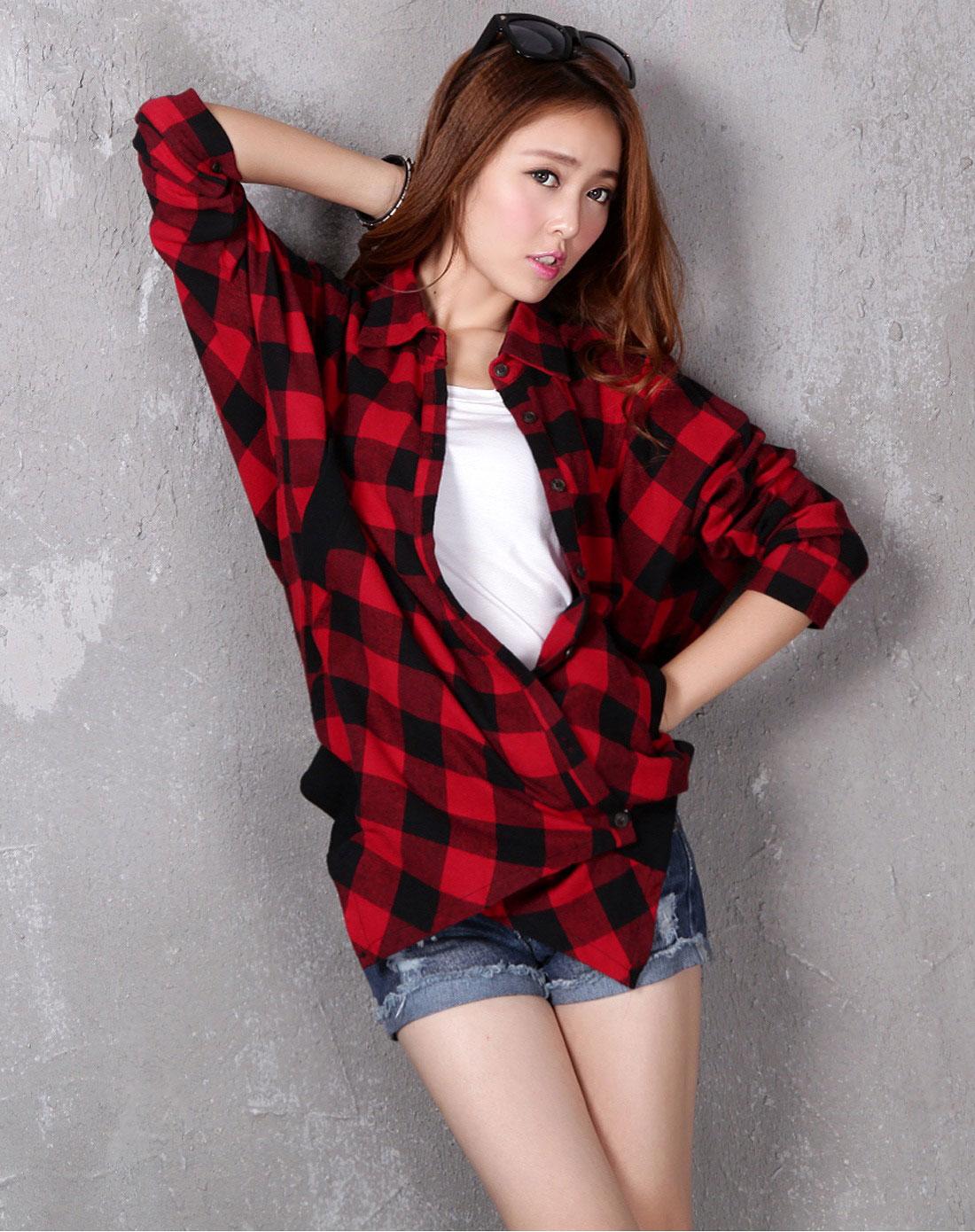 红格子衬衫搭配牛仔短裤