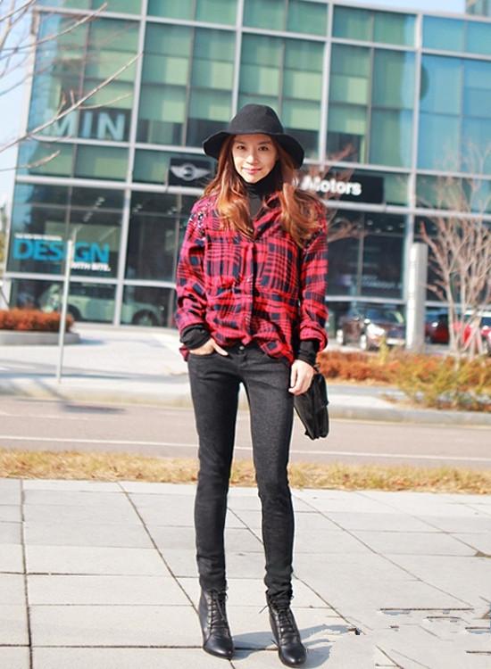 红格子衬衫搭配西黑色装裤
